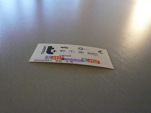 Qui a décidé ce qui est écrit sur les ticket de métro ?